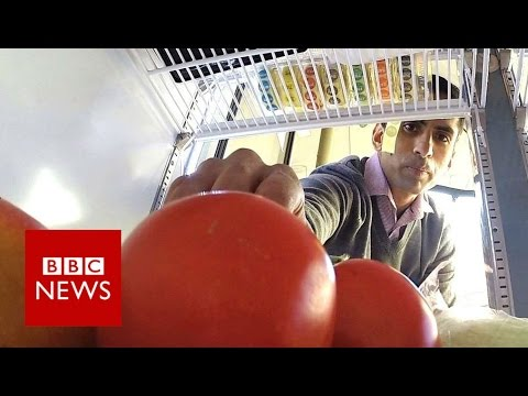 'The people's fridge' provides food for FREE - BBC News