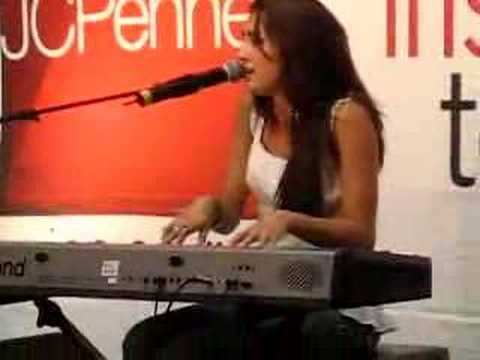 Nikki Flores -