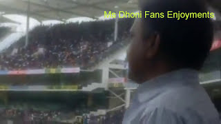 M.s Dhoni Enter In Chepauk Stadium And Fan Gone Crazy -completes milestone of 100th half century