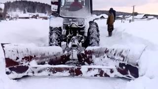 чистка снега на мтз 82