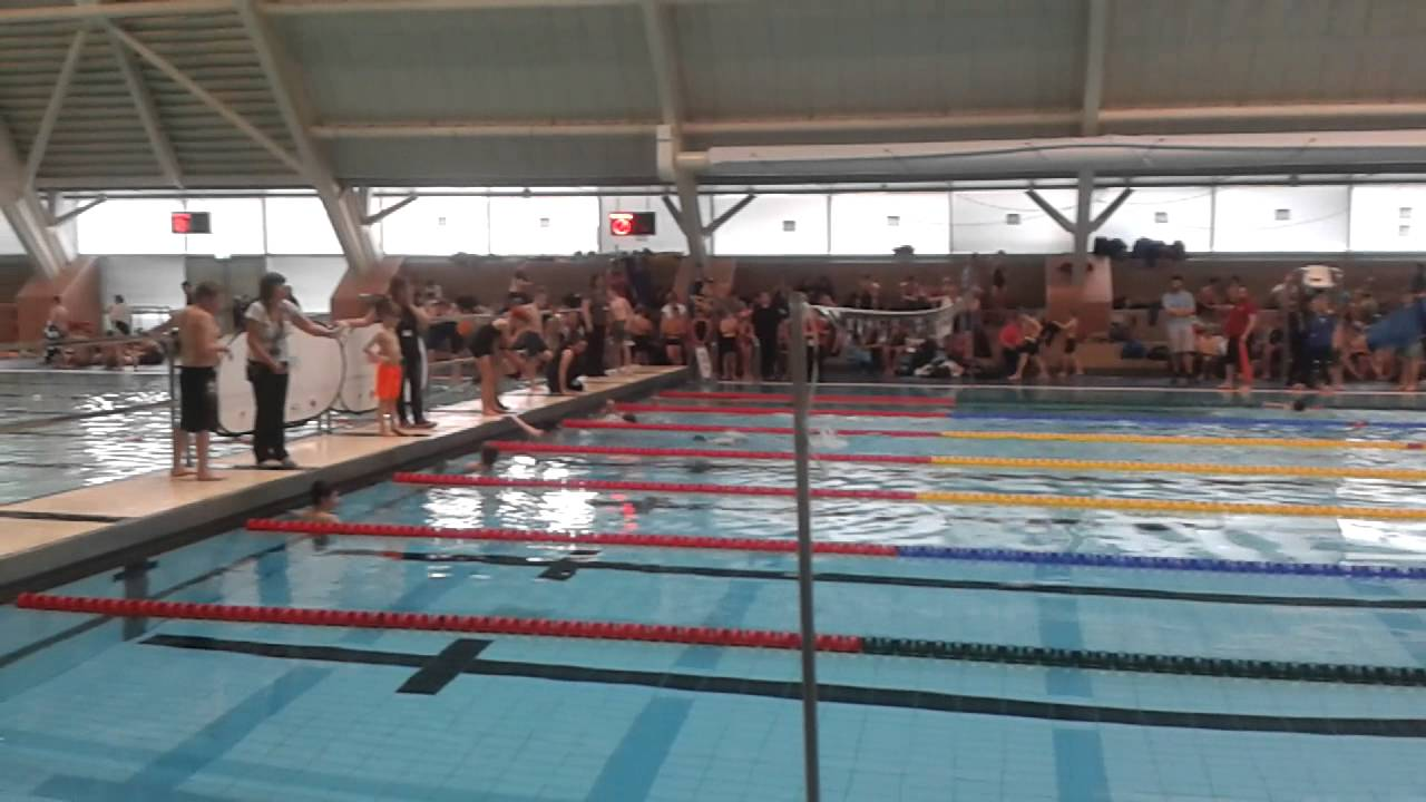 Manchester aquatic centre swimming pool kids race for Obi swimmingpool 2016