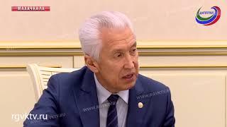 Глава Дагестана  пообщался  с представителем организации «Молодые инвалиды»(, 2018-12-27T08:28:27.000Z)