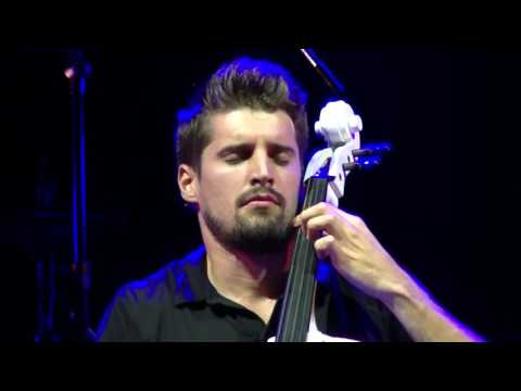 2CELLOS - With or without you - Luna Park Stadium - 6/10/ 2016