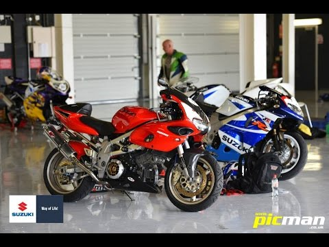 TL1000S and TL1000R Do Silverstone Suzuki All Stars Track Day 2015