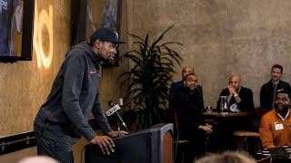 Kevin Durant ceremony (Jan. 5, 2018)