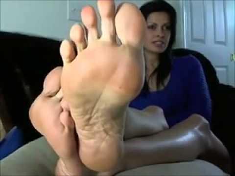 mom foot tease