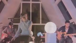 Download Lagu Ariel Noah Band, Cover lagu Nike ardila | Tinggalah ku sendiri mp3