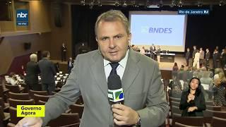 GOVERNO AGORA O novo presidente do BNDES, Joaquim Levy, recebe o cargo