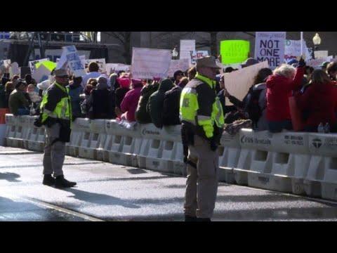 Les jeunes américains dans la rue contre les armes à feu