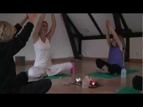 YogaRollinger - Hvad er børneyoga? I Kundalini Yoga for Børn I Børne-yoga I Børne Yoga