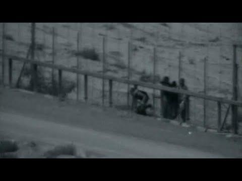 شاهد: عبور ثلاثة فلسطينيين للسياج العازل ومقتلهم برصاص الجيش الإسرائيلي…  - نشر قبل 3 ساعة