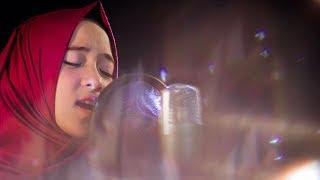Video Jadi Penyanyi Terkenal, Begini Perlakuan Nissa Syaban di Panggung saat Ditangisi Fans Bocah Berhijab download MP3, 3GP, MP4, WEBM, AVI, FLV November 2018