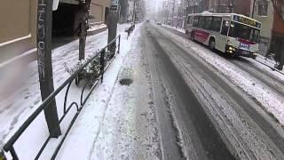 Repeat youtube video 雪だ!都内だ!自転車だ! (東京大雪2014 スパイクタイヤお試し編)