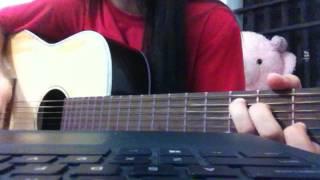Guitar Cover + Palm thùng | Hồi ức ngày hôm qua - Hoàng Yến Chibi