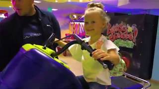 Поездка в Игроленд на детские автоматы! Детские развлечения.