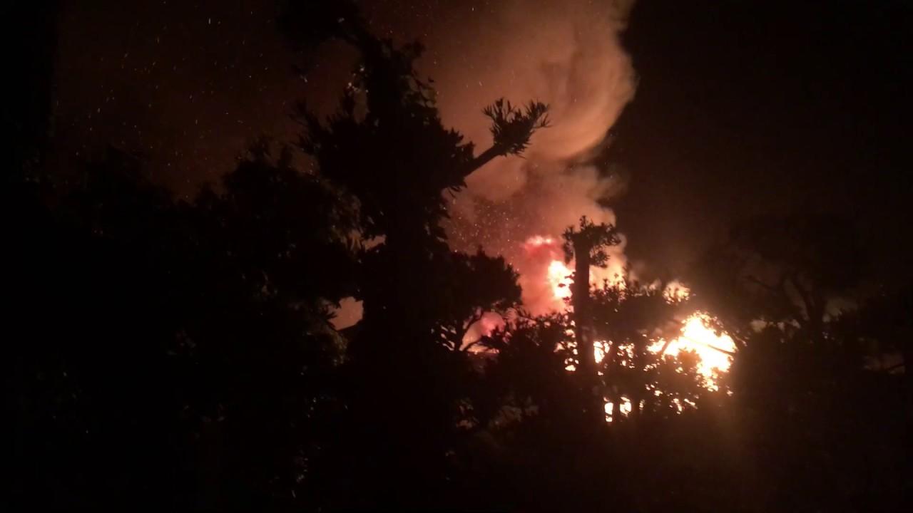 [大火事[爆発]]九十九里町 片貝 住宅6棟全焼 建物火災 - YouTube