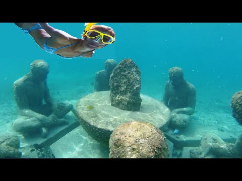 snorkeling-in-cancun-hotel-zone---cancun-underwater-museum-(musa)