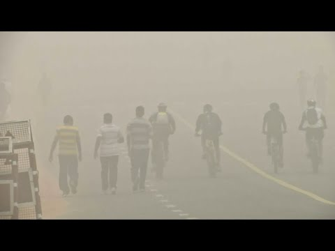 Toxic smog hits India's capital Delhi