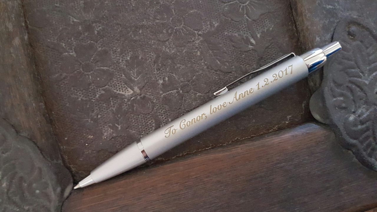Engraving on Parker pen - customized