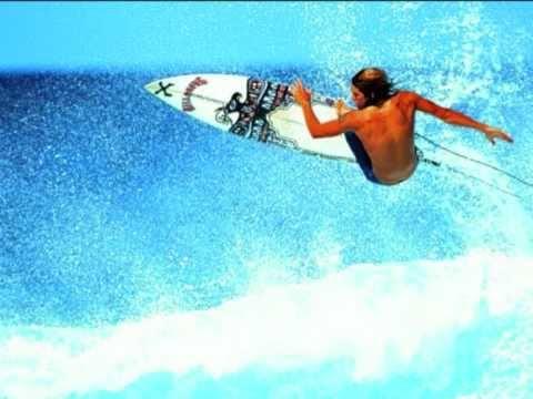 THE BEACH BOYS--CATCH A WAVE.wmv