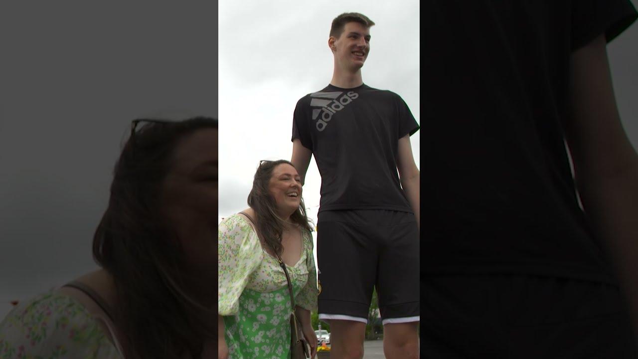 Tallest Teenager Loves to Slam Dunk! #Shorts