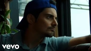 Brad Paisley - She's Everything (Official Video)