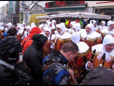 Carnaval 2013 la louvi re dimanche matin sous une - Meteo la louviere ...