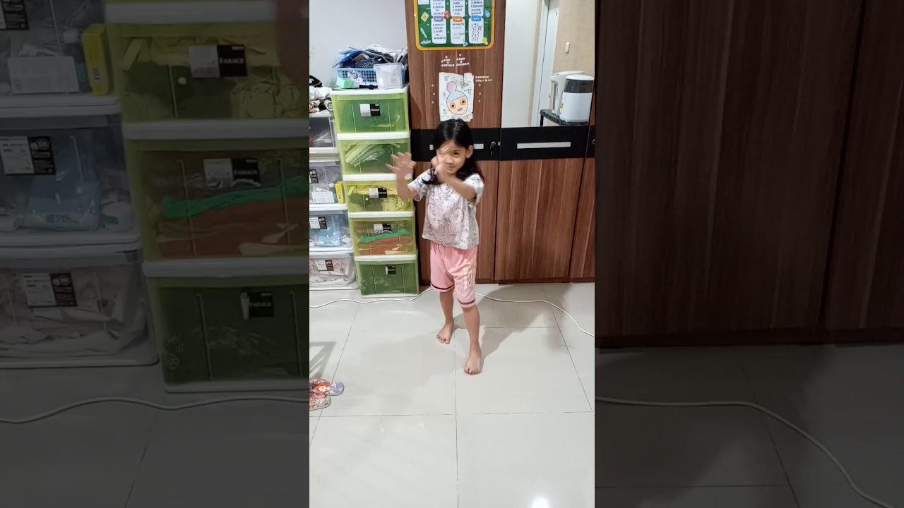 娘に日本拳法を教えてみた。気合いが素晴らしい!!2020年6月8日 Nihon kenpo 8 juni - YouTube
