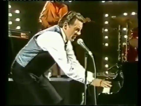 Jerry Lee Lewis - WOW best strange Performance! - Whole Lotta Shakin' Goin' On