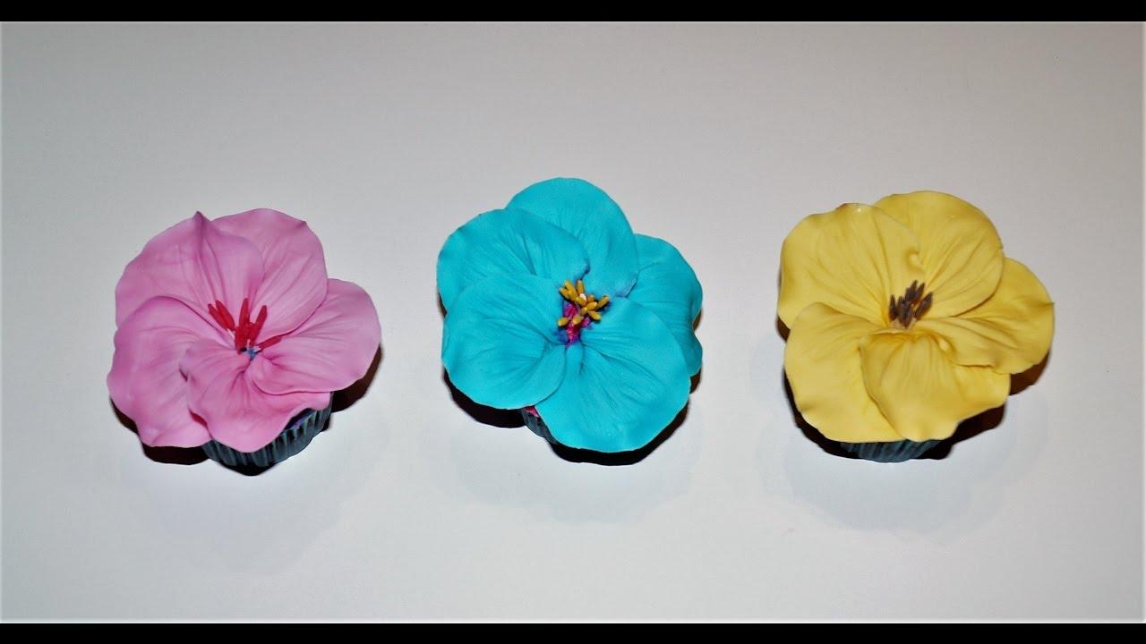 Cake Decorating Tutorials How To Make Hibiscus Cupcakes
