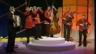 Vaska Ilieva - More Cico Rece Da Me Zeni - Macedonian Song