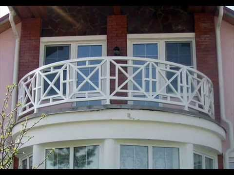 С чашечкой кофе на балконе на даче. Дом с балконом