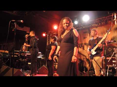 LALAH HATHAWAY: INTRO BASS by ERIC