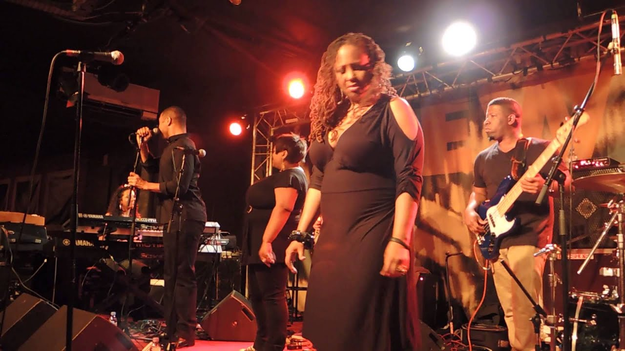 "LALAH HATHAWAY | INTRO BASS by ERIC ""Pikfunk"" SMITH + ""Summertime"" @ NEW MORNING"