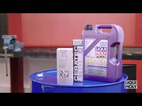 Motor oil change with LIQUI MOLY