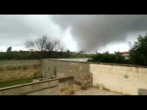 شاهد: إعصار مدمر في جنوب إيطاليا  - نشر قبل 57 دقيقة