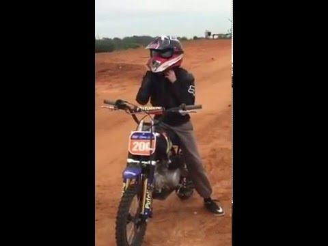 סנסציוני חן סדי על אופנוע מיני בייק - YouTube CV-56