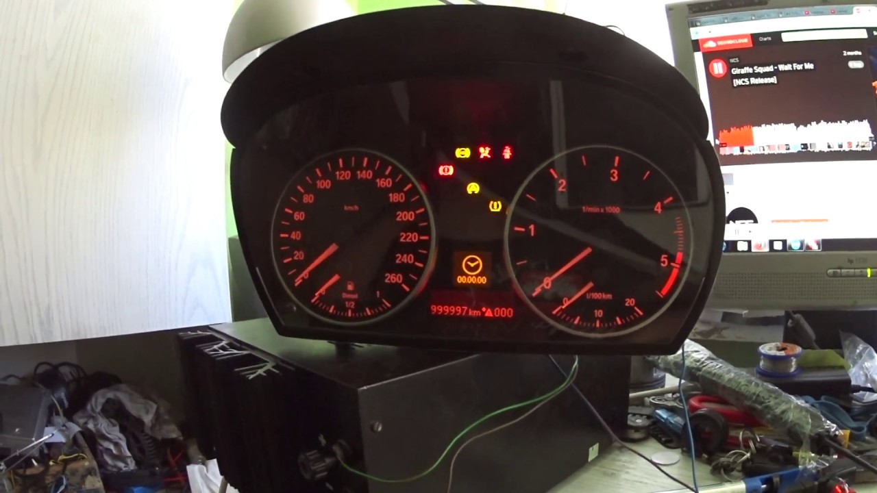 bmw e90 instrument cluster powered on the bench /zalaczenie zegarow