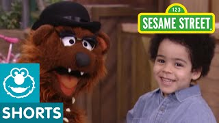 Sesame Street: Papa Bear And Antonio Tell A Story