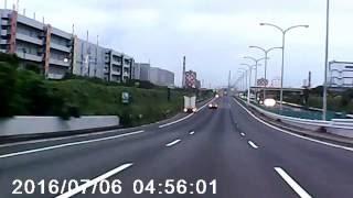 首都高湾岸線覆面パトカーによるスピード取締り