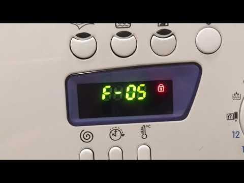 Убираем ошибку F-05 за 1 минуту. Стиральная машина не сливает воду.  Ariston Indesit ошибка F05