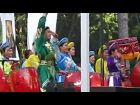 Drums khai mac Dai Hoi Thanh Mau 2012