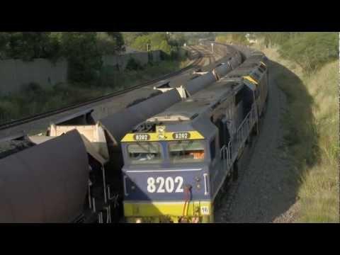 Coal Trains Cross in NSW - 82 Class & G Class Locomotives