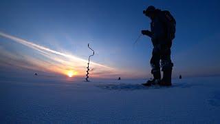 Зимняя рыбалка на Ладоге Ловля окуня на блесну и балансир Душевная рыбалка