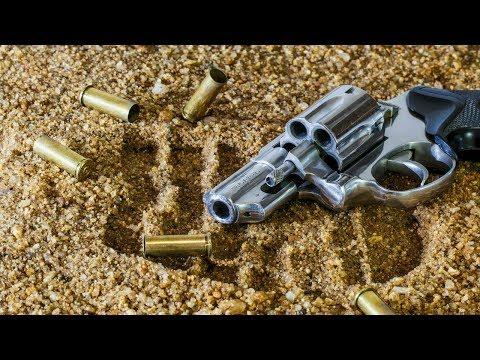 Menino de dois anos é baleado e morto durante tiroteio no RJ | SBT Notícias (17/03/18)
