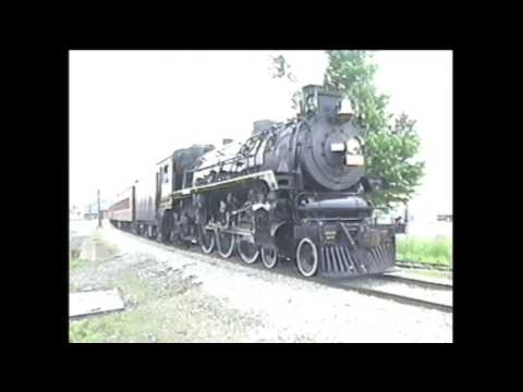 OHIO CENTRAL Pacific 4 6 2#1293 pulling tourist passengers at Sugarcreek,OH June 2002