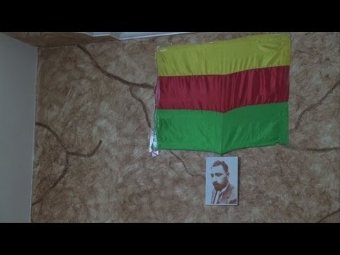Syrian Kurds expand banned language education