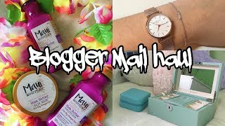 BLOGGER MAIL HAUL APRIL 2018 ft. SOUFEEL, ROSEFIELD & MORE!|Sophia