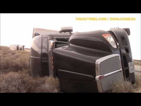 Winds topple big rigs on 14 Freeway [12/22/15]