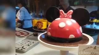 Lion King petit cake at Disney Springs